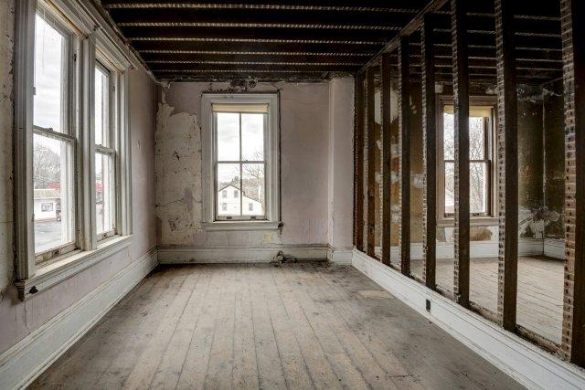 85 Interior Auburn NY Castle Home For Sale Auction Listings Real Estate Agent Broker Michael DeRosa .JPG