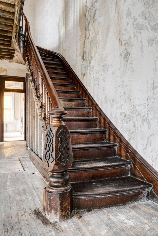 101 Interior Auburn NY Castle Home For Sale Auction Listings Real Estate Agent Broker Michael DeRosa .JPG