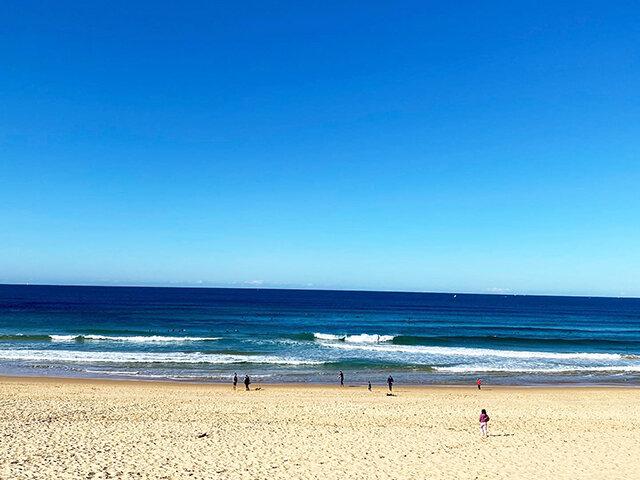 North Curl Curl Beach - Photo Credit: @busycitykids