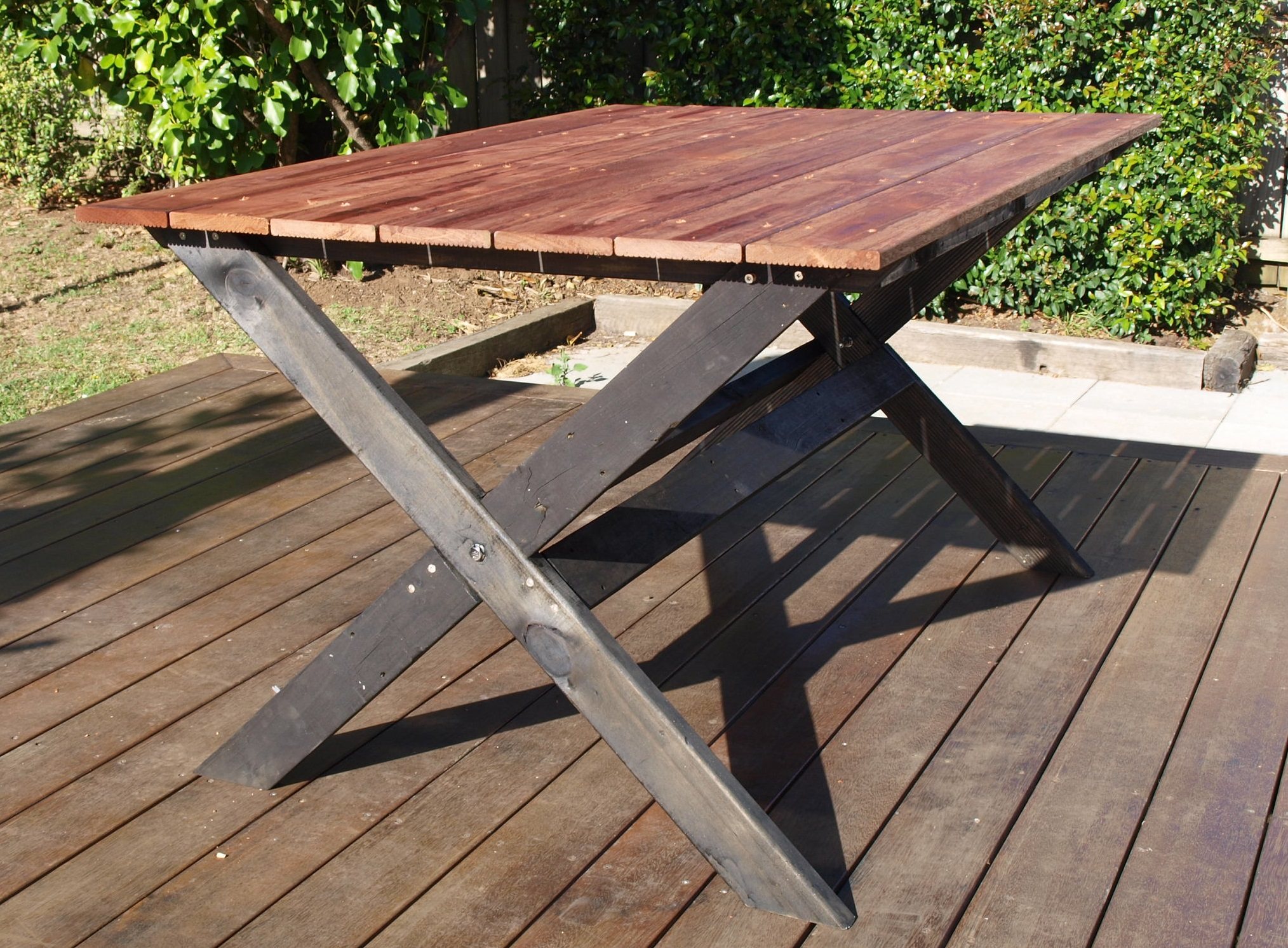 diy project outdoor cross base table