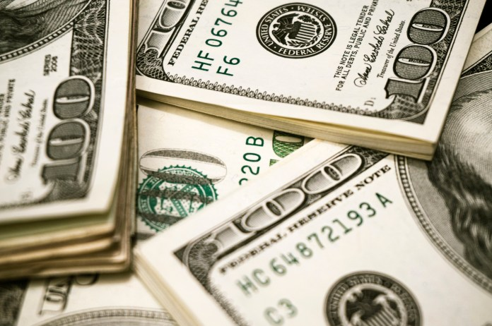 Women are still making only 79 cents for every dollar that a man makes. When women and men are performing the same tasks, their pay should be the same –end of story. (free pictures of money/Flickr)