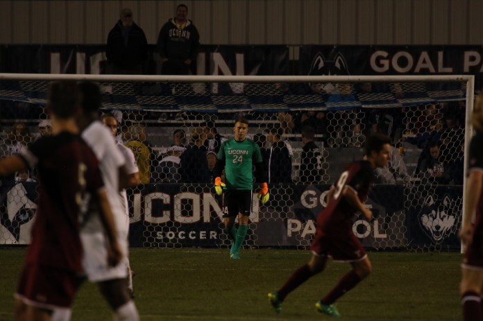 UConn goal keeper Scott Levene held down the goal and helped lead the Huskies to a 1-0 win over Temple on Saturday, Sept. 24, 2016. (Ruohan Li/The Daily Campus)