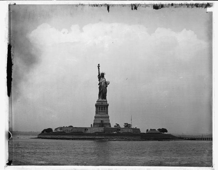 A photograph of the Statue of Liberty in New York circa 1905 by the Detroit Publishing Company. (Courtesy/Library of Congress)