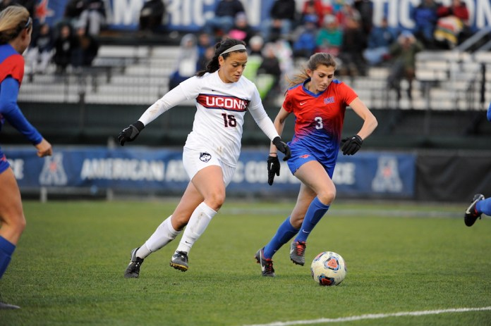 Stephanie Ribeiro (#15) brings the ball upfield in the AAC conference championship against SMU on Sunday, November 6th. (Jason Jiang/The Daily Campus)