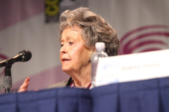 Lorraine Warren speaking at the 2013 WonderCon at the Anaheim Convention Center in Anaheim, California.  (Gage Skidmore/Flickr, Creative Commons)