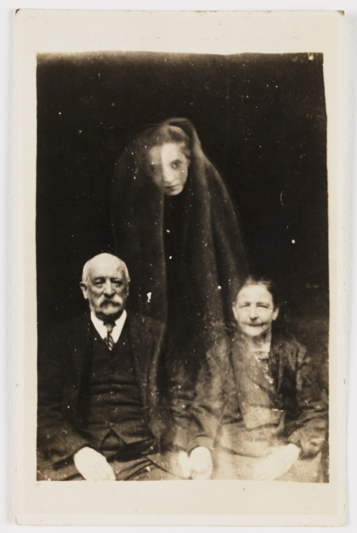 http://www.messynessychic.com/2016/12/21/before-photoshop-there-was-the-disturbing-art-of-spirit-photography/