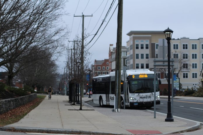 UConn bus line. (Photo by kim nguyen/The Daily Campus)