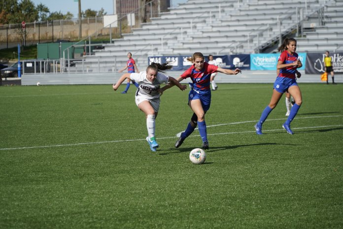 Women's Soccer: UConn loses thriller in South Florida