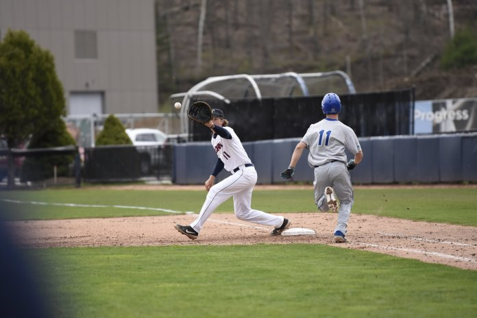 UConn Baseball takes home a 9-1 win against Central Connecticut State University. This leaves them at 27-18 for the season.  Photo by Brandon Barzola/The Daily Campus