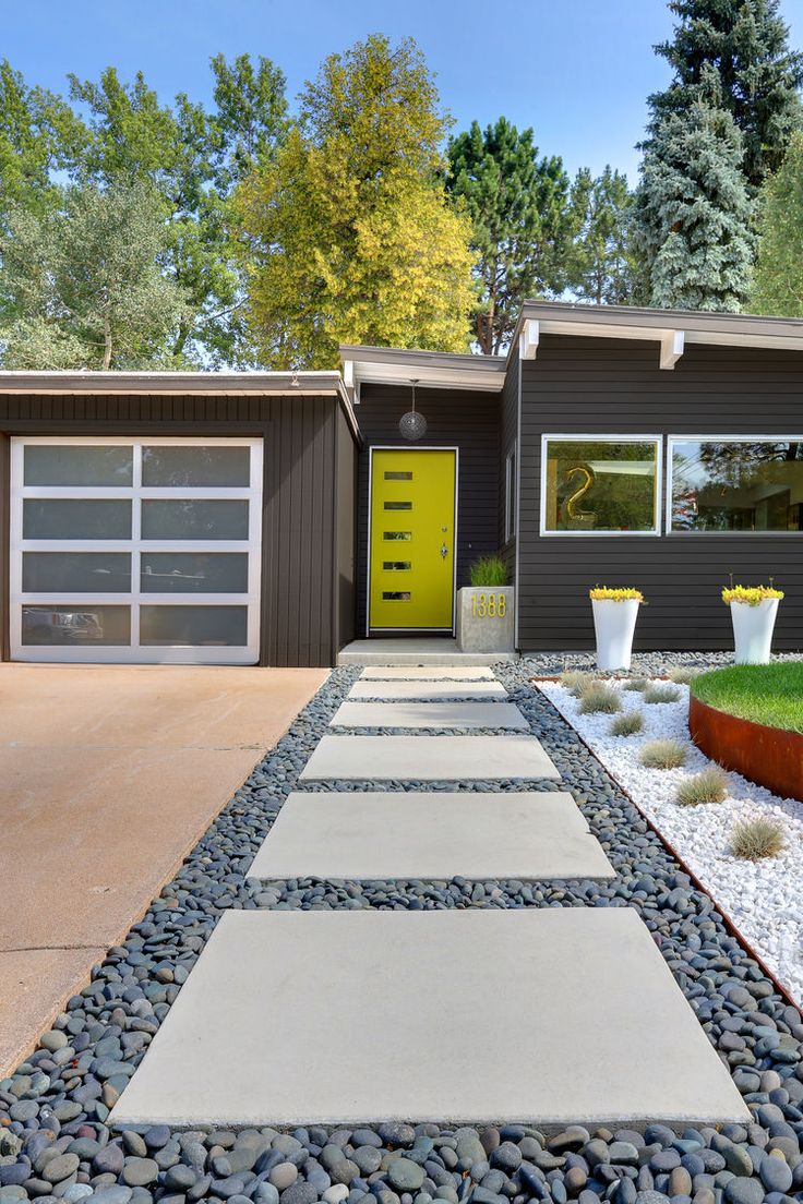 50 Modern Front Yard Designs and Ideas — RenoGuide ... on Front Yard Renovation Ideas id=62787