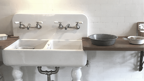 the best bridge kitchen faucets with a