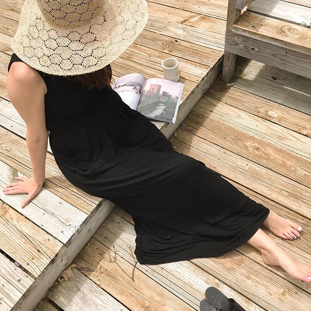 Soaking up as much sun as possible before the rain comes ⠀⠀⠀⠀⠀⠀⠀⠀⠀ Dress - gifted, size: Small @brassclothing Hat - 1 y/o, size: medium @brookesboswell  Shoes - gifted size: 7 @everlane