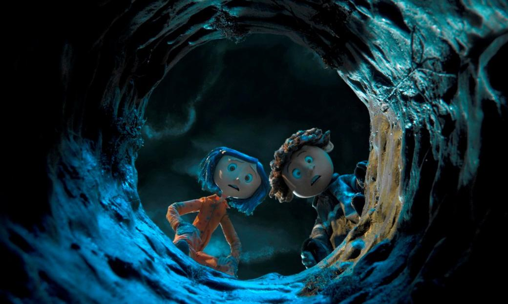 Coraline looking down a rabbit hole