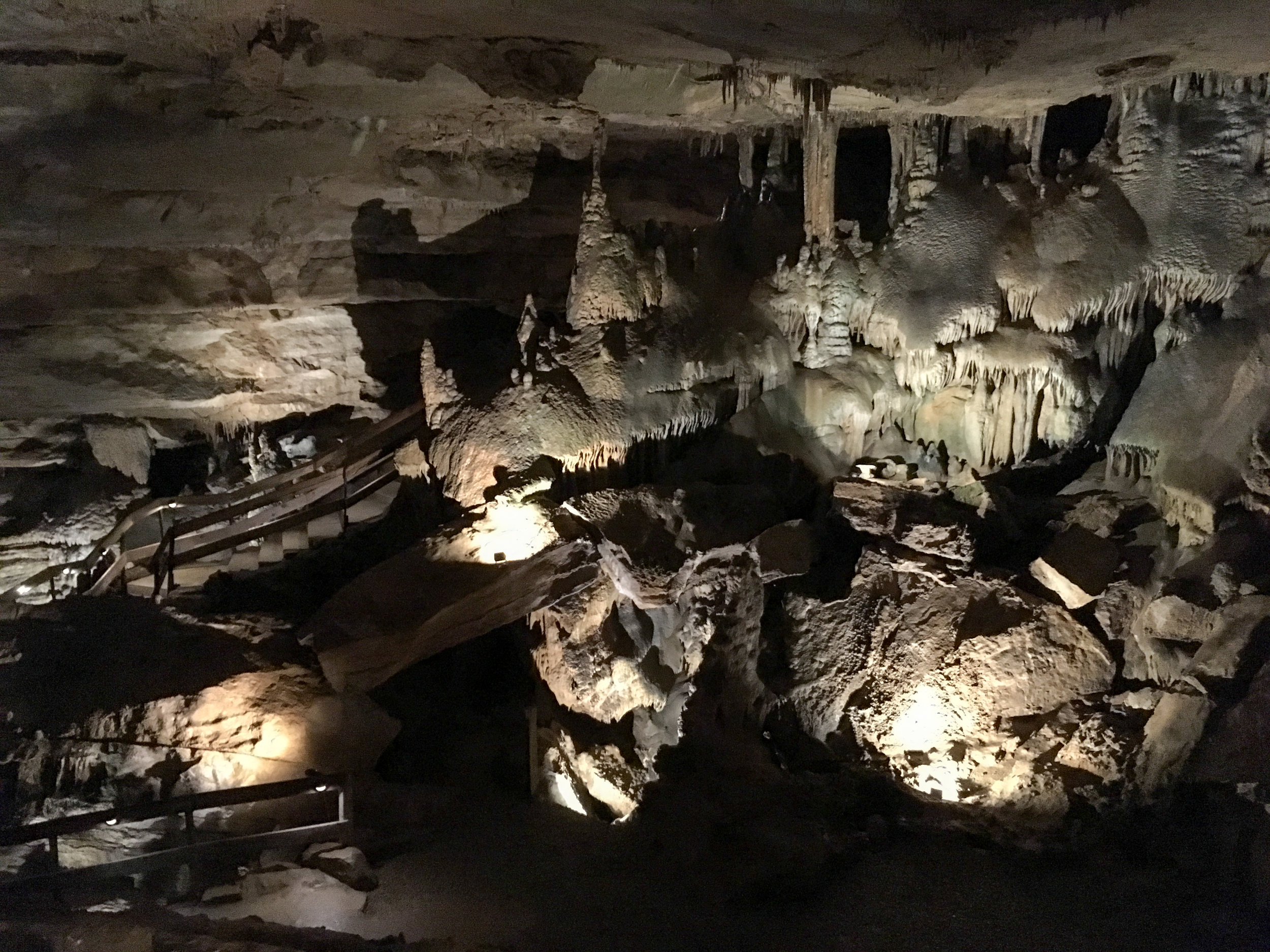 Raccoon mountain caverns is tennessee's highest rated cave and is located just outside of chattanooga, tennessee. Raccoon Mountain Caverns Atlnature