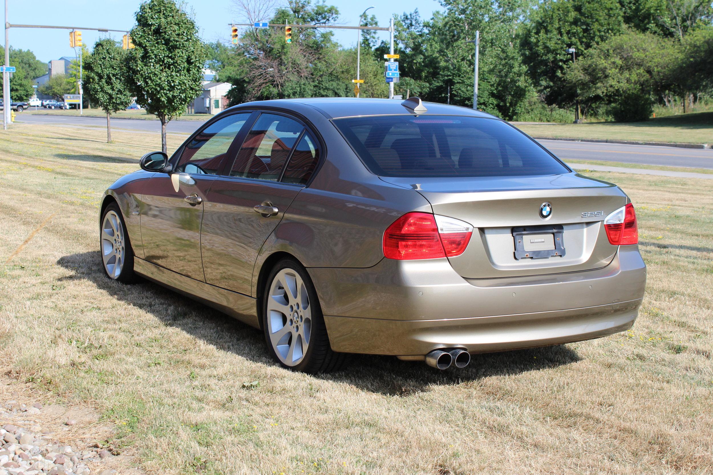 2004 bmw 530i 4dr sedan the little