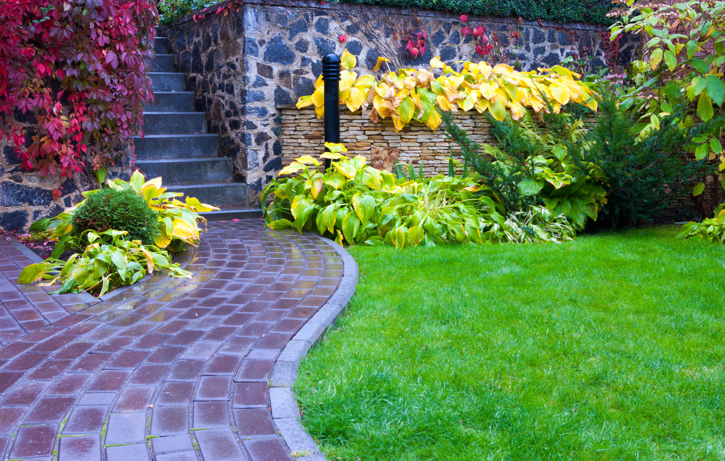 4 Wonderful Landscaping Ideas for Small Front Yards in ... on Small Yard Landscaping Ideas id=95149