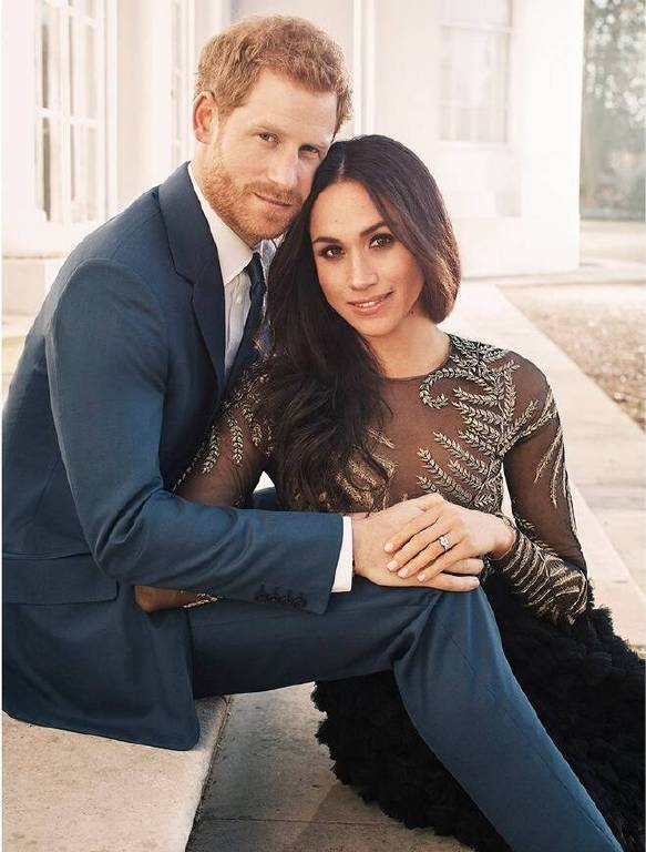Vermutlich werden die Hochzeit von Harry und Meghan 750 Millionen Menschen im Fernsehen gucken. Ein wichtiger Höhepunkt war immer der öffentliche Kuss auf dem Balkon des Buckingham Palastes.    Foto:imago/Starface