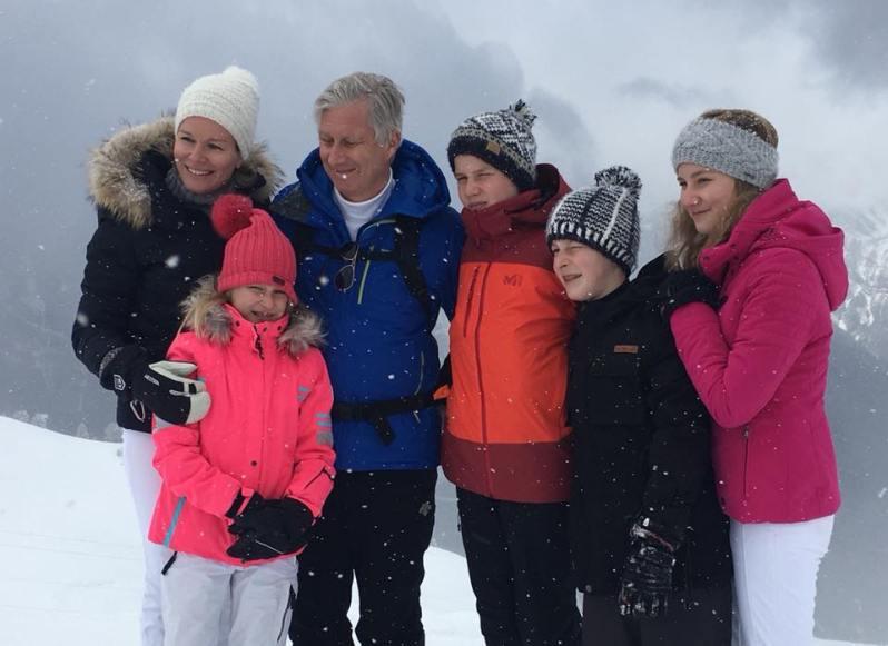 Die belgische Königsfamilie macht Urlaub im Südschweizer Kanton Wallis.    Foto: Belgische Königsfamilie