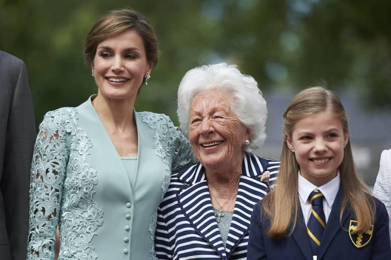 Königin Letizia hat ein enges Verhältnis zu ihrer Oma Menchu. Dass die 90-Jährige Geheimnisse aus dem königlichen Familienleben ausgeplaudert hat, wird sie ihr sicher verzeihen.    Foto:imago/PPE