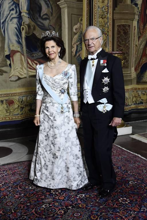 Die schöne Figur von Königin Silvia kommt in ihrem Abendkleid wunderbar zur Geltung.  ©imago/E-PRESS PHOTO.com