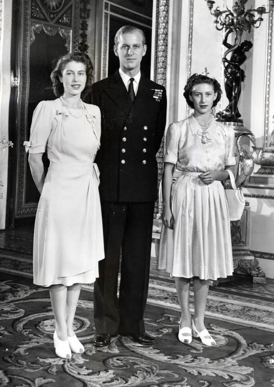 1947: Prinzessin Margaret (r.) gilt als Schwarzes Schaf, während ihre Schwester die Hoffnungsträgerin für eine ganze Nation ist.  © imago/ZUMA/Keystone