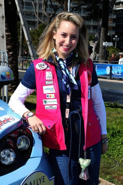 So brav zeigte sich Jazmin Grace Grimaldi noch im März nach ihrer Wüsten-Rallye.  ©imago/Starface