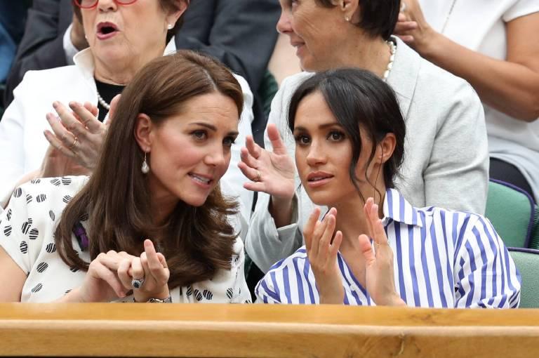 Während des Duells plauderten Kate und Meghan wie alte Freundinnen.  ©imago/i Images