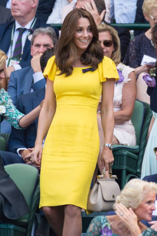Herzogin Kate machte beim Tennisspiel in Wimbledon eine tolle Figur in ihrem gelben Kleid.  ©imago/ZUMA Press