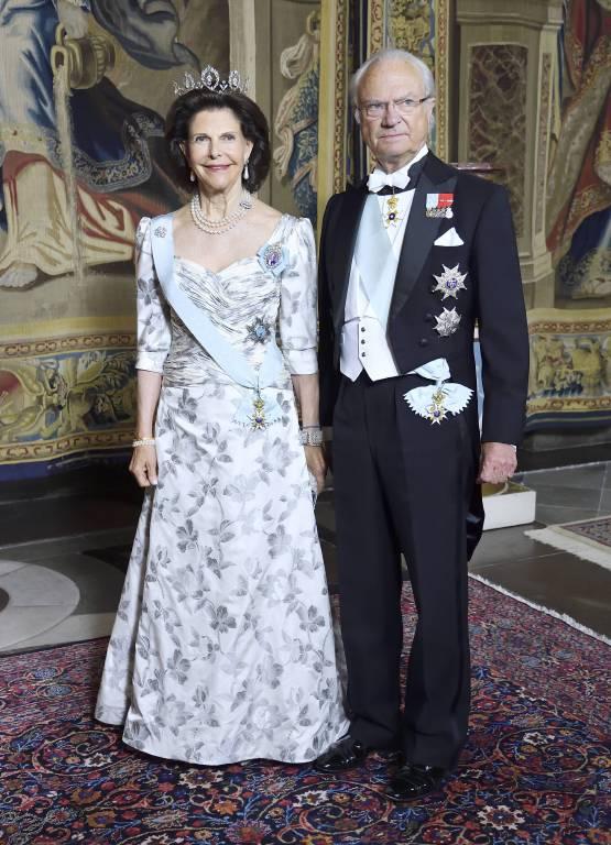 Königin Silvia und König Carl Gustaf waren entsetzt, als sie vom Raub der Kronjuwelen erfuhren.  ©imago/IBL