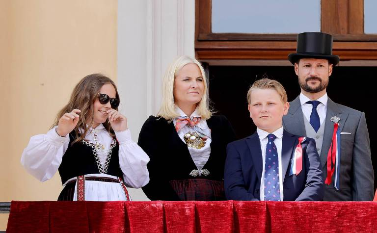 Kronprinzessin Mette-Marit und Kronprinz Haakon haben die zwei gemeinsamen Kinder Ingrid Alexandra (14) und Sverre Magnus (12). Die Adlige hat noch Sohn Marius (21) aus einer vorherigen Beziehung.  ©imago