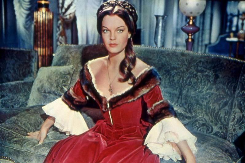 Prinzessin Katja (Romy Schneider) wird klar, wie gefährlich ihr Geliebter, der russische Zar, lebt, als dieser nur knapp einem Attentat entgeht.  © ARD/Degeto