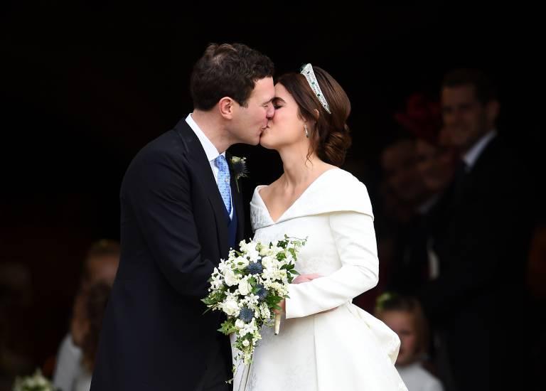 Für sie hängt der Himmel immer noch voller Geigen: Prinzessin Eugenie und ihr Jack teilen ihr Liebesglück am Valentinstag auch im Internet.  © imago/i Images