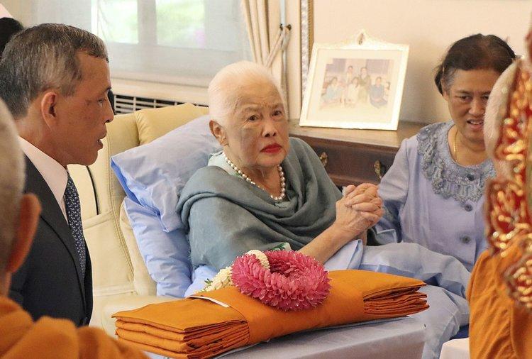 Königin Sirikit von Thailand kämpft schon lange mit gesundheitlichen Problemen.  ©The Royal Household Bureau
