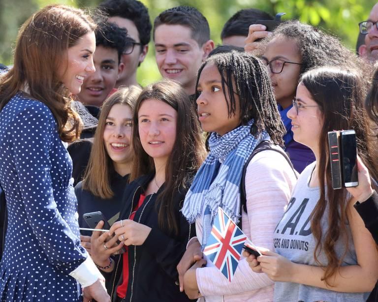 """Herzogin Kate besuchte die Sonderausstellung zum 75. Jahrestag des """"D-Day"""" in Bletchley Park und plauderte über ihr Familienleben.  © imago images / ZUMA Press"""