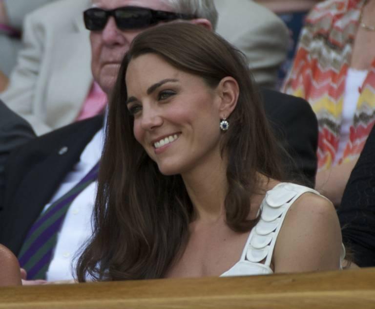 Als Herzogin Kate ein Teenis-Match besuchte, trug sie Saphir-Ohrringe von Diana.  ©imago images / Hoch Zwei/International