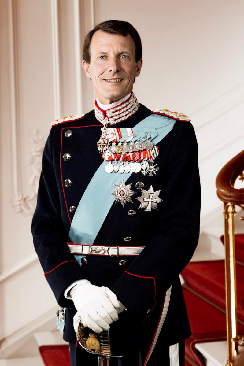 Auf den neuen Bilder wirkt Prinz Joachim gelöster als zuvor.  ©Steen Brogaard, Kongehuset.dk