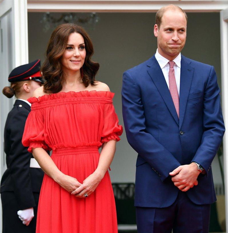 Im privaten Frankreich-Urlaub wurde Herzogin Kate oben ohne von Fotografen abgelichtet. Ein Magazin druckte die Bilder und wurde von Prinz William und seiner Frau verklagt.  ©picture alliance