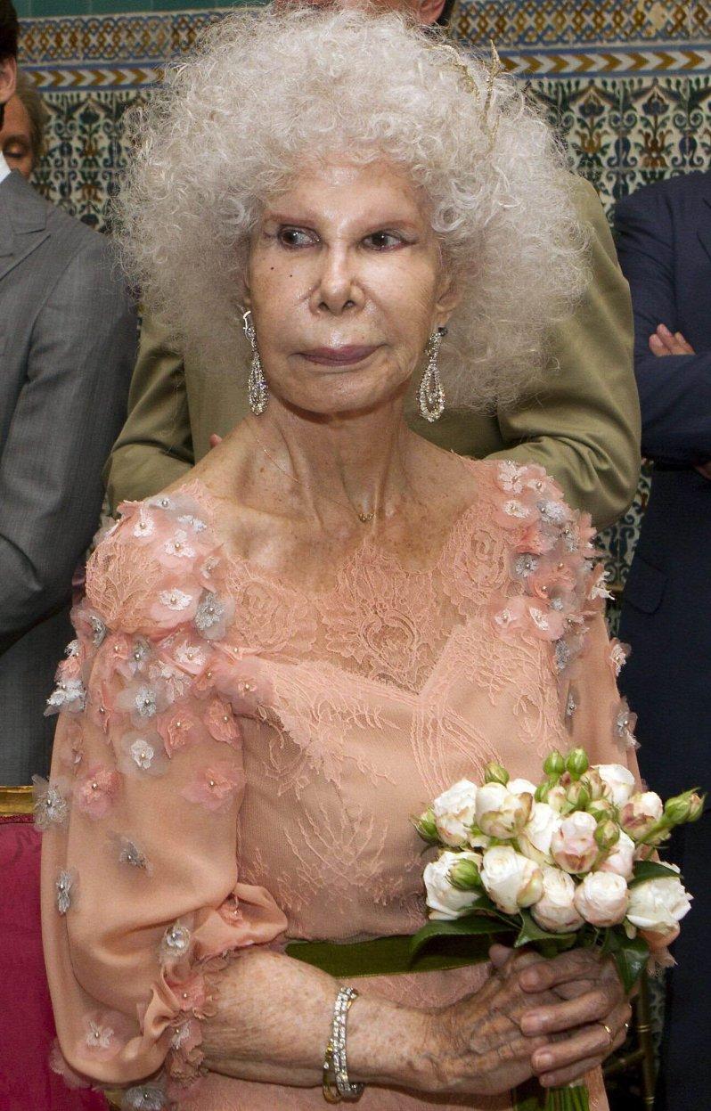 Herzogin Alba starb 2014 im Alter von 88 Jahren in Sevilla. Sie wird bis heute als Beispiel für misslungene Schönheits-OPs genannt. © picture alliance/PPE