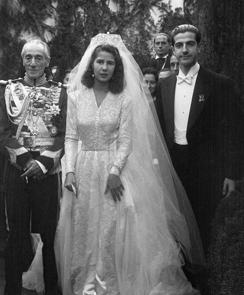 Oktober 1947: Mit 21 Jahren heiratet die Herzogin von Alba ihren ersten Ehemann Luis Martinez de Irujo y Artacoz. Damals ist sie noch eine Naturschönheit. © dpa
