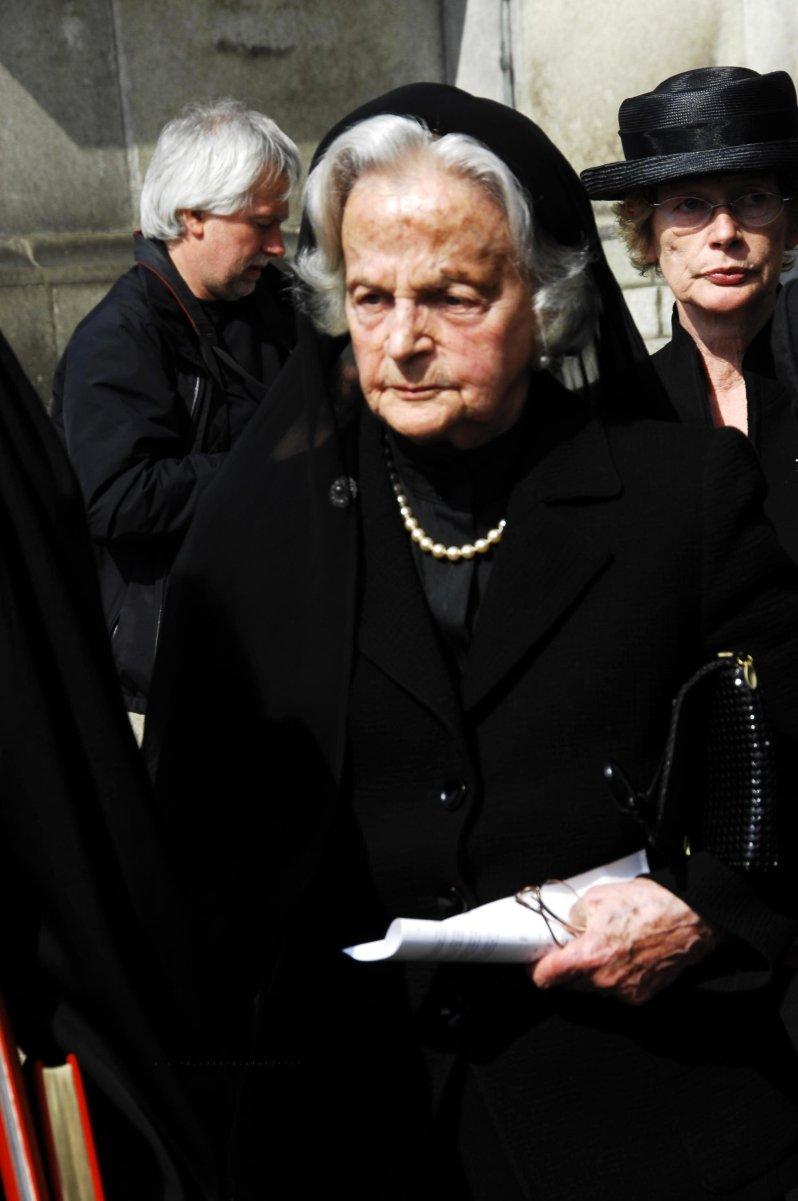 Armgard Prinzessin von Preußen im Jahr 2007 bei der Trauerfeier für ihren verstorbenen Mann Wilhelm Karl Prinz von Preußen.  © picture-alliance / schroewig