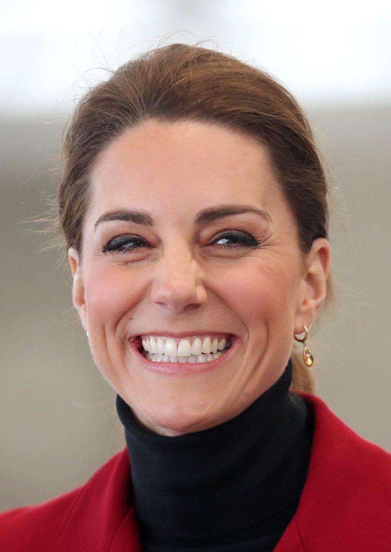 Wenn Herzogin Kate Zeit hat, sitzt sie am Sonntagabend gerne vor dem Fernseher. Denn die Britin verfolgt eine beliebte TV-Show.  © picture alliance / empics