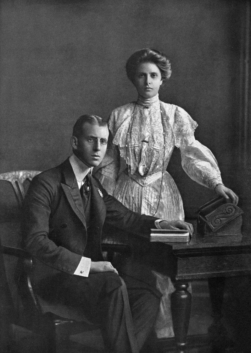 Die Ehe von Alice und Prinz Andreas war durchwachsen. Während sie in verschiedenen Anstalten behandelt wurde, zog er nach Monaco, wo er mit seiner Geliebten lebte. 1944 starb er im Alter von 62 Jahren an den Folgen eines Herzinfarkts. © picture alliance/Mary Evans Picture Library