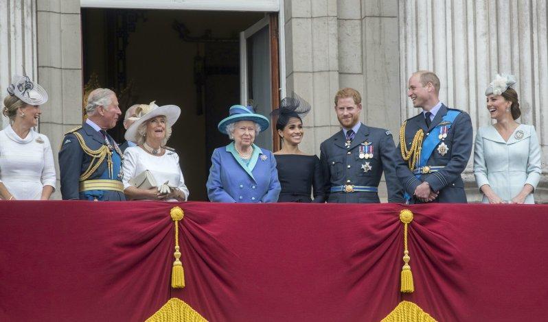 Auch die britische Königsfamilie wird bei diesem Archiv-Fund sicher schmunzeln.  © picture alliance / empics