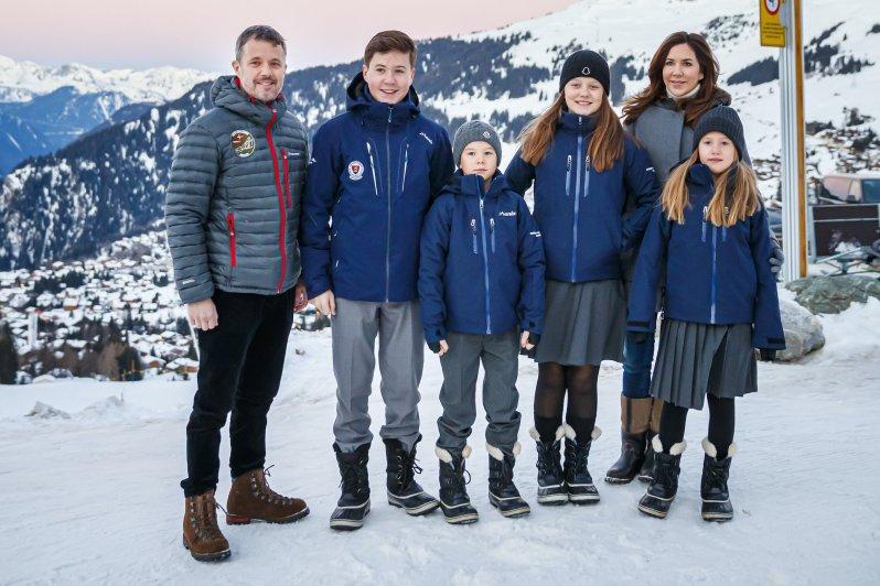 Kronprinz Frederik und Kronprinzessin Mary brachten ihre Kinder in die Schweiz, wo sie von nun an zur Schule gehen.  © picture alliance/KEYSTONE