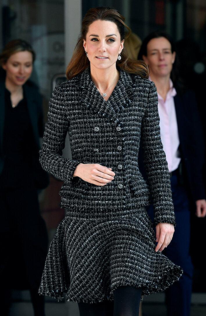 Fans sind verwundert: Warum trägt Herzogin Kate ihren Verlobungsring nicht?  © picture alliance / empics