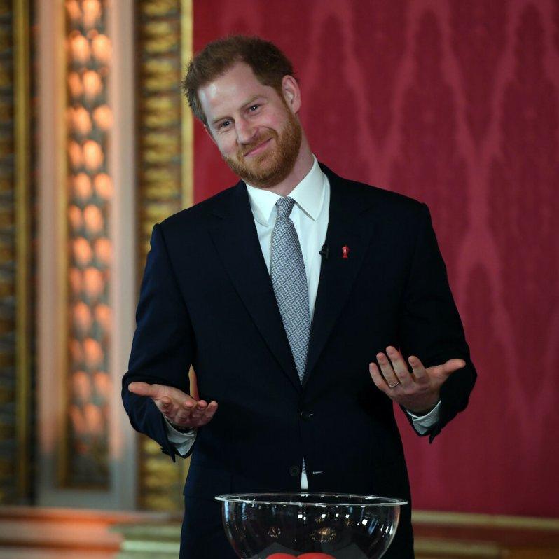 Prinz Harry hat sich aus der Königsfamilie zurückgezogen, um mit Herzogin Meghan und Sohn Archie in Kanada zu leben. Brad Pitt machte sich in seiner Dankesrede bei den British Academy Film Awards and Television Arts (BAFTAs) darüber lustig.  © picture alliance / AP Photo