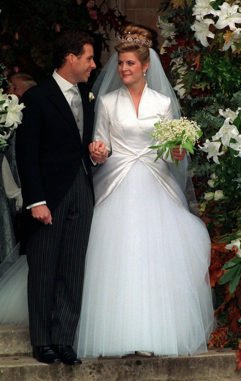 Damals hing der Himmel noch voller Geigen: David Armstrong-Jones heiratet seine Serena in der Church of St Margaret in Westminster Abbey.  © picture alliance / empics