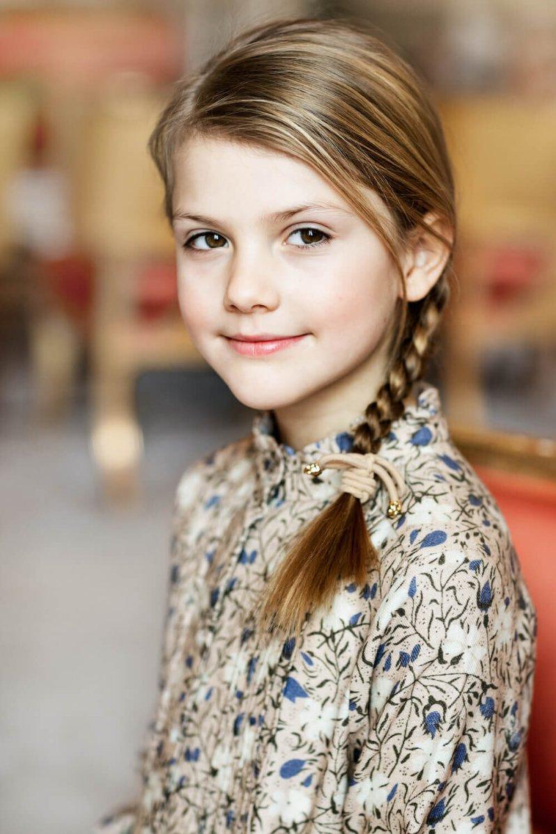 Prinzessin Estelle wird ihrer Mutter Kronprinzessin Victoria immer ähnlicher.  © Linda Broström Kungl. Hovstaatna