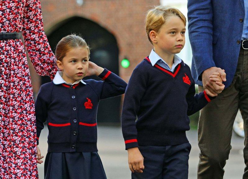Prinzessin Charlotte und Prinz George besuchen die Thomas's Battersea-Privatschule in London. Dort wurden nun Verdachtsfälle des Coronavirus gemeldet.  © picture alliance / empics