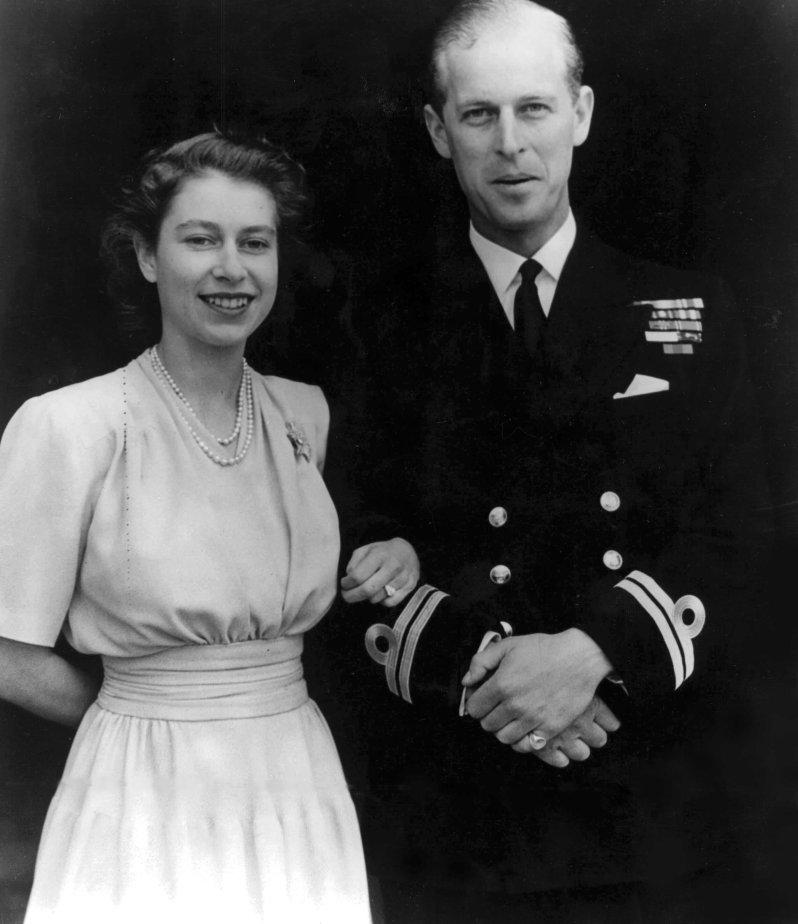 Am 10. Juli 1947 gaben Prinz Philip und Prinzessin Elizabeth ihre Verlobung bekannt. © picture-alliance / United Archives/TopFoto